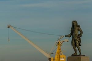 richard-carre-statue-02